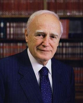 Ο Πρόεδρος της Ελληνικής Δημοκρατίας, κ. Κάρολος Παπούλιας.