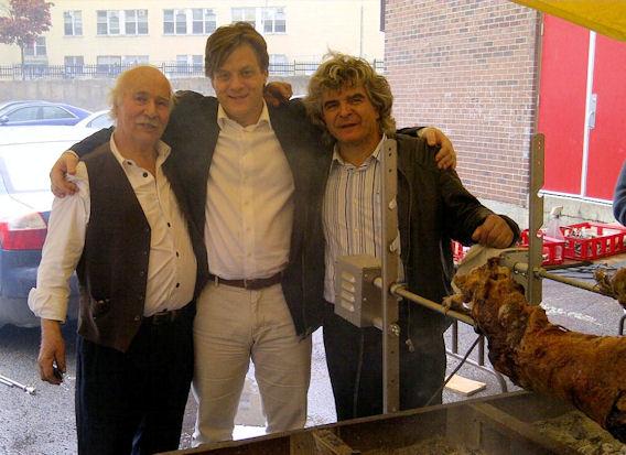 Ο κ. Ανδρέας Χρονόπουλος με τον Γενικό Πρόξενο της Ελλάδας, κ. Θάνο Καφόπουλο και τον κ. Ζήση Φωτόπουλο. Photo: ©2013, Paris Petrou/Me  Greek