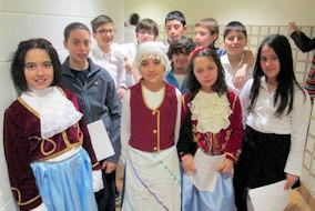 Μαθητές και μαθήτριες των σχολείων της Ελληνικής Κοινότητας Μείζονος Μόντρεαλ. Photo: Courtesy of HCGM.