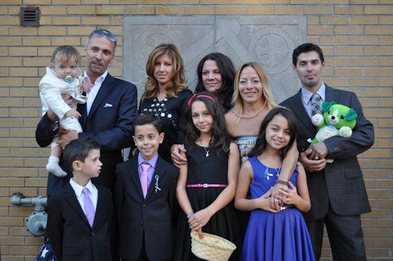 Η οικογενειακή φωτογραφία. Ο Νικήτας με τους γονείς και τους νονούς του. Photo: ©2013 Paris Petrou