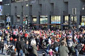 Στιγμιότυπο από προηγούμενη Παρέλαση του Άγιου Βασίλη. Photo: © Paris Petrou / Me Greek.
